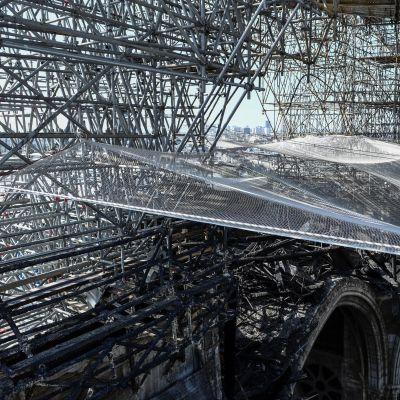 Återuppbyggnaden av Katedralen Notre Dame.