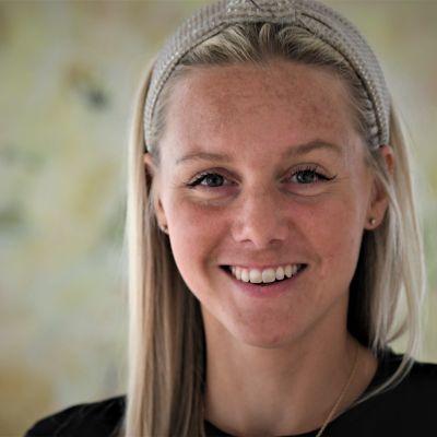 Nina Chydenius i närbild.
