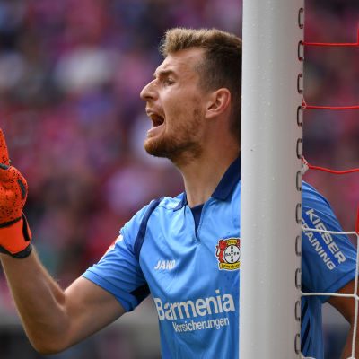 Lukas Hradecky har haft en svår start på sin sejour i Leverkusen.