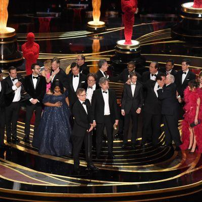 Filmteamet bakom Green Book tar emot en Oscars för bästa film.