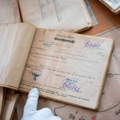 Ett häfte med arkeologisk viktig information på tyska. Hittad 2019 - från 1944 i Hangö.