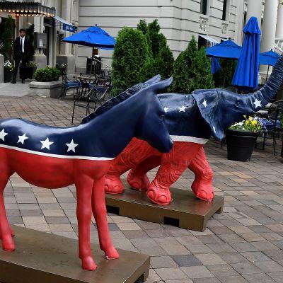 Symbolerna för demokraterna (åsnan) och republikanerna (elefanten) i USA