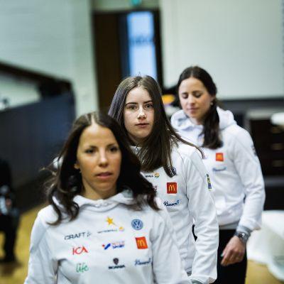 Charlotte Kalla, Ebba Andersson och Charlotte Kalla på presskonferens i Lahtis.