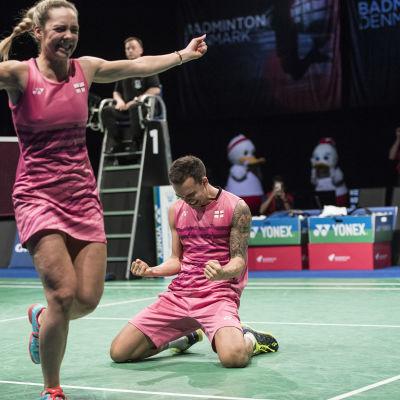 Det äkta paret Chris och Gabrielle Adcock vann EM-guld i mixeddubbel i badminton.