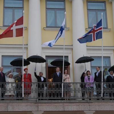 De nordiska ländernas statsledare på presidentlottets balkong.