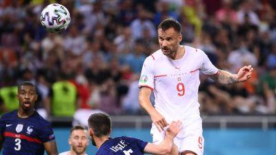 Haris Seferovic nickar in mål i EM.