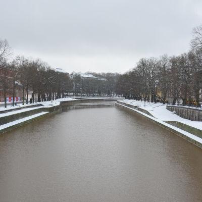 Aura å med snö utan is