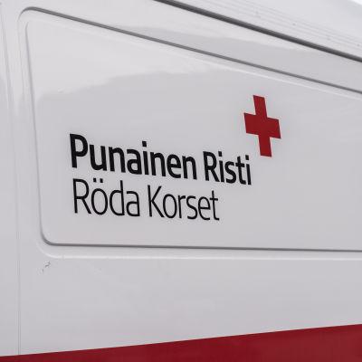 Suomen punaisen ristin auto