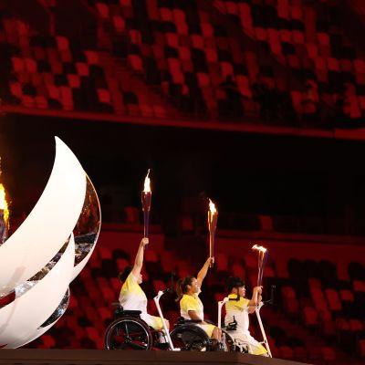 Paralympiatuli syttyi Tokion olympiastadionilla.