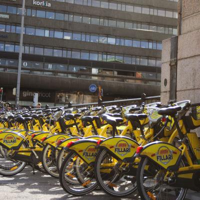 Stadscyklar på Järnvägstorget i Helsingfors