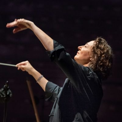 kapellimestari Nathalie Stutzmann