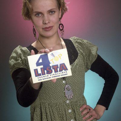 Nina Honkanen alotti Listassa kesällä 1994.