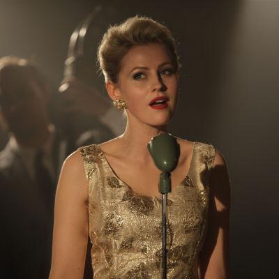 Edda Magnason som Monica Zetterlund i filmen Monica Z.