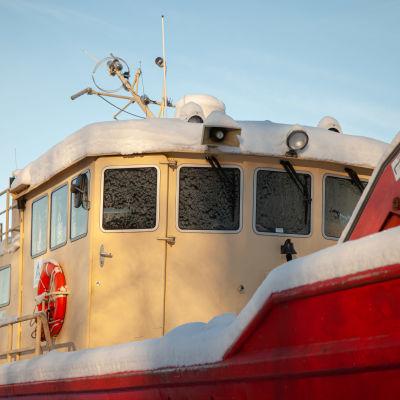 Saimaan saaristoreitin uusi pyörälautta odottaa muutostöitä Lappeenrannassa telakalla.