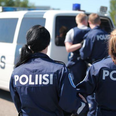 Poliisit harjoittelemassa