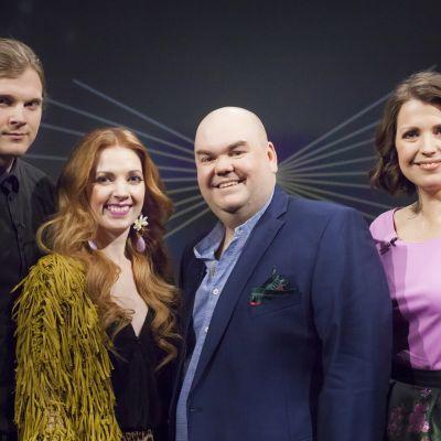 Bild på De Eurovisa och gästerna Axel Ehnström och Jennie Storbacka