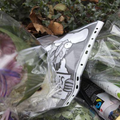 blommor efter terrordådet mor Charlie Hebdo