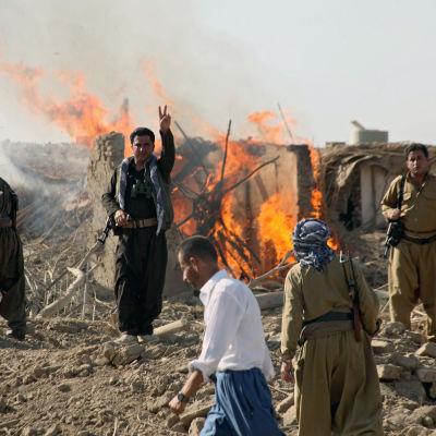 Kurdiska peshmergastyrkor under militäroperationer söder om Kirkuk i augusti 2015