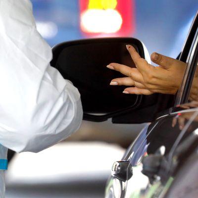 New Yorkissa tehtiin huhtikuun lopulla autokaistalla vasta-ainetestejä.