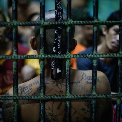 Fångar i ett fängelse i Manila, Filippinerna.