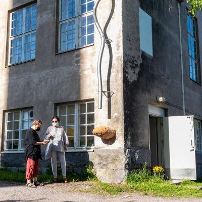 Galleribyggnaden i Nickby är ett gammalt stenhus.