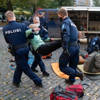 Elokapinan mielenosoitus Helsingin Kaisaniemessä