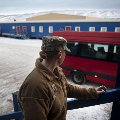 Yhdysvaltain armeijan sotilaat esittelivät Thulen lentotukikohtaa Luoteis-Grönlannissa lokakuussa.