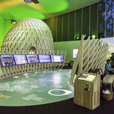 Mycket teknik som ska ge besökaren upplevelser.