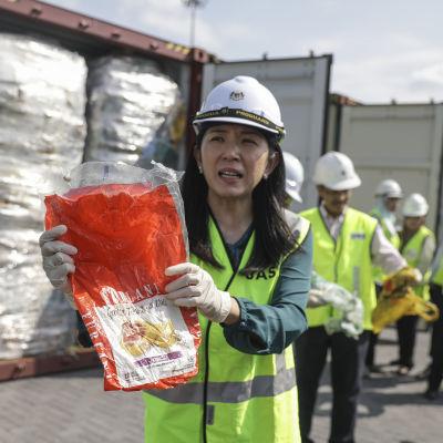 Miljöminister  Yeo Bee Yin vill inte att Malaysia blir en ändhållplats för industrialiserade länders plastavfall