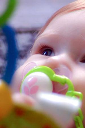 Lähikuva vauvan kasvoista