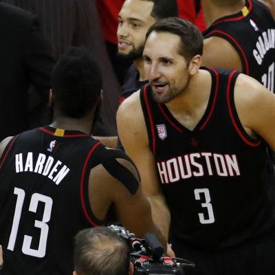 James Harden och Ryan Anderson spelar basket för Houston Rockets.
