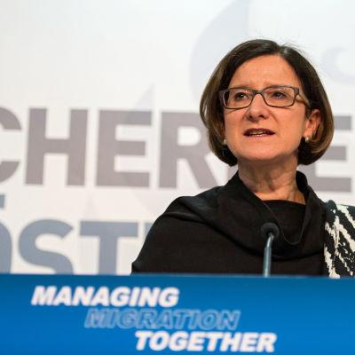 Österrikes inrikesminister Johanna Miki-Leitner vid möte om flyktingpolitiken