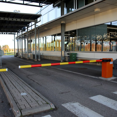 Suljettu puomi rajanylityspaikalla