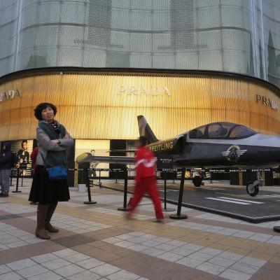 Varuhus som säljer italienska kläder i Kinas huvudstad Beijing.