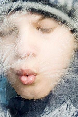 pojke blåser rimfrost