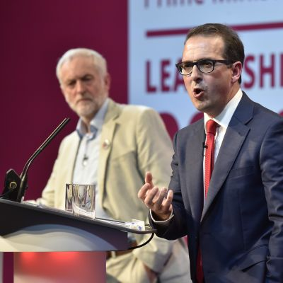 Britannian työväenpuolueen puheenjohtajaehdokkaat väittelyssä Cardiffissä.
