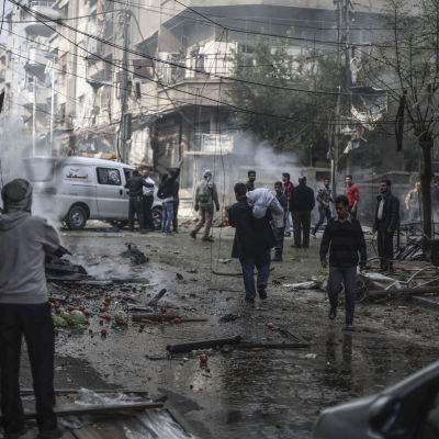 Staden Douma i Syrien efter attack.
