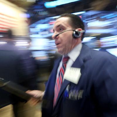 Kurserna har fallit på Wall Street under årets första vecka.