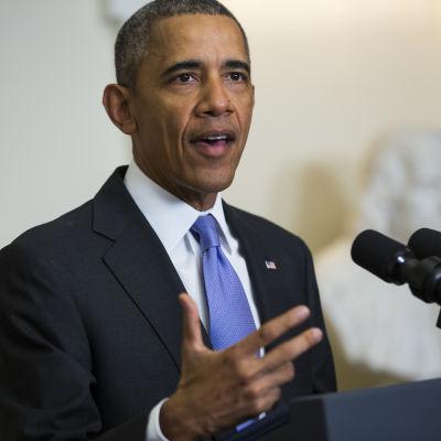 Barack Obama hyllar kärnavtalet med Iran 17.1.2016.