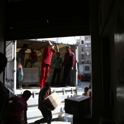 Röda halvmånen levererade hjälppaket till Douma den 26 maj 2016