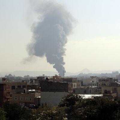 saudisk bomb över sanaa
