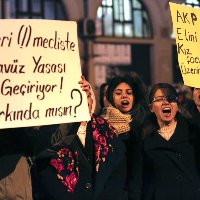 protest mot barnvåldtäktslag
