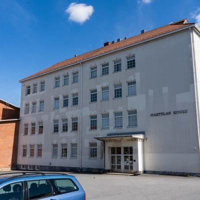 Sastamalan keskustaa, Marttilan koulu.