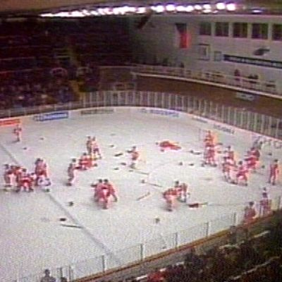 Neuvostoliiton ja Kanadan joukkotappelu, nuorten MM-kisat 1987