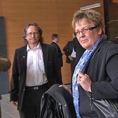 Entinen hiihtäjä Pirkko Määttä saapui perjantaina oikeuden kuultavaksi.