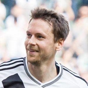 Kasper Hämäläinen firar mål.