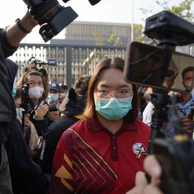 "Thaimaalainen demokratia-aktivisti Panusaya ""Roong"" Sithijirawattanakul"