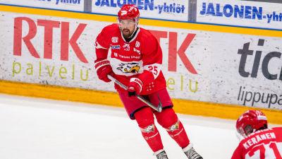 Axel Holmström på isen.
