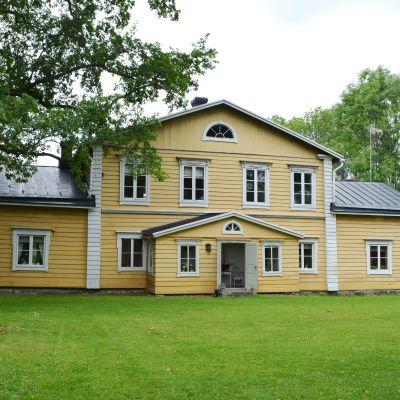 Ollas gård i Pernå.