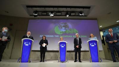 EU:n ilmastotavoitteiden lehdistötilaisuus Brysselissä.